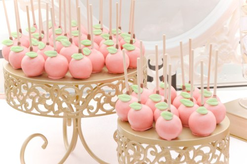 snow white apple cake pops