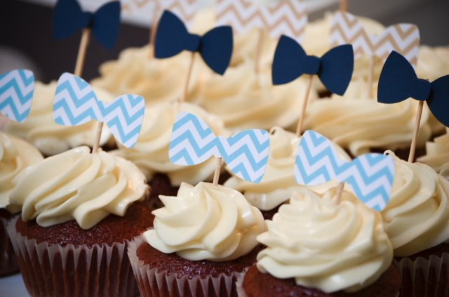|Our Little Man Baby Shower | www.cwdistinctivedesigns.com | #bowties #cupcakes #desserttables